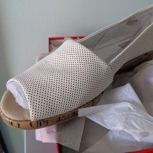 AEROSOLES Shoes - White Leather open toed size 12M NWT